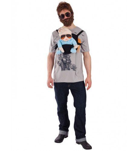 Man Met Baby In Baby Bjorn Kostuum